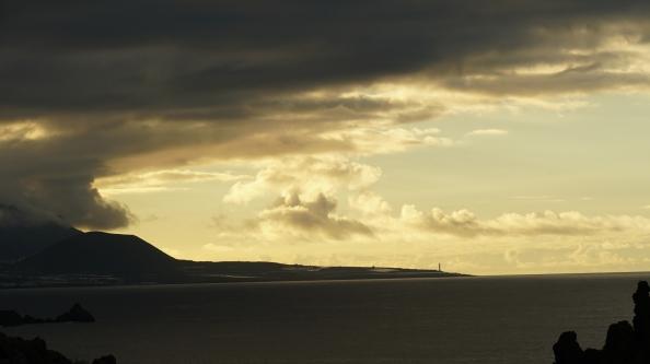 horizon-at-dusk-island