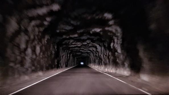 tunel-intre-lumi